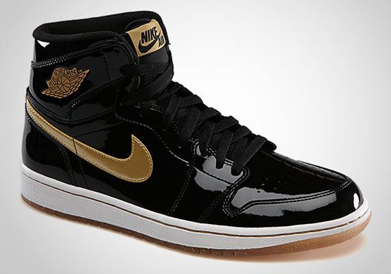 air-jordan-1-retro-high-og-black-metallic-gold-01