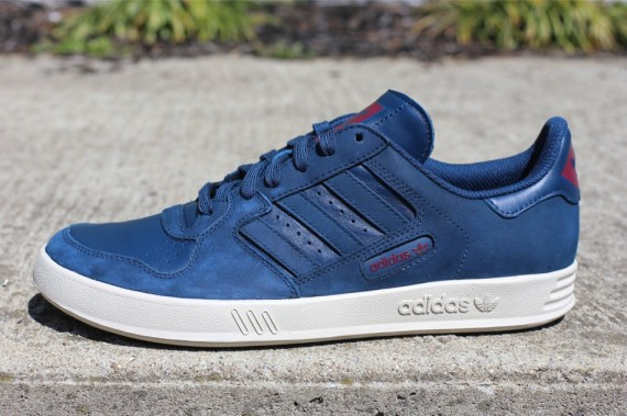 adidas-originals-tennis-court-top-og-deep-legacy-1-570x379