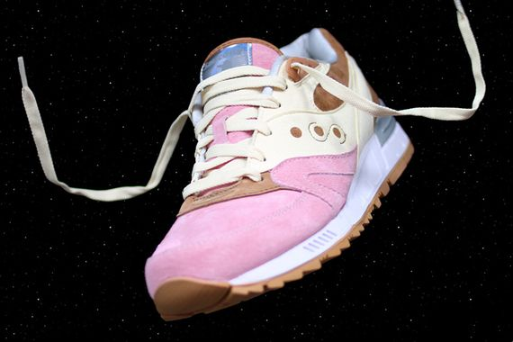 """EXTRA BUTTER x Saucony Shadow Master """"Space Snack"""
