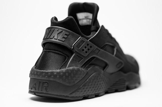Nike Air Huarache Triple Black - 01
