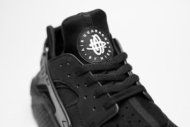 Nike Air Huarache Triple Black - 02
