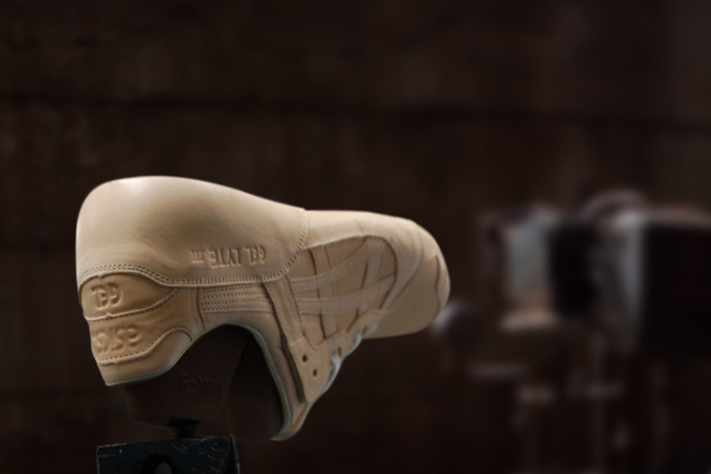 a-closeup-look-at-how-the-vegetable-tanned-asics-gel-lyte-iiis-are-made-3 (1)