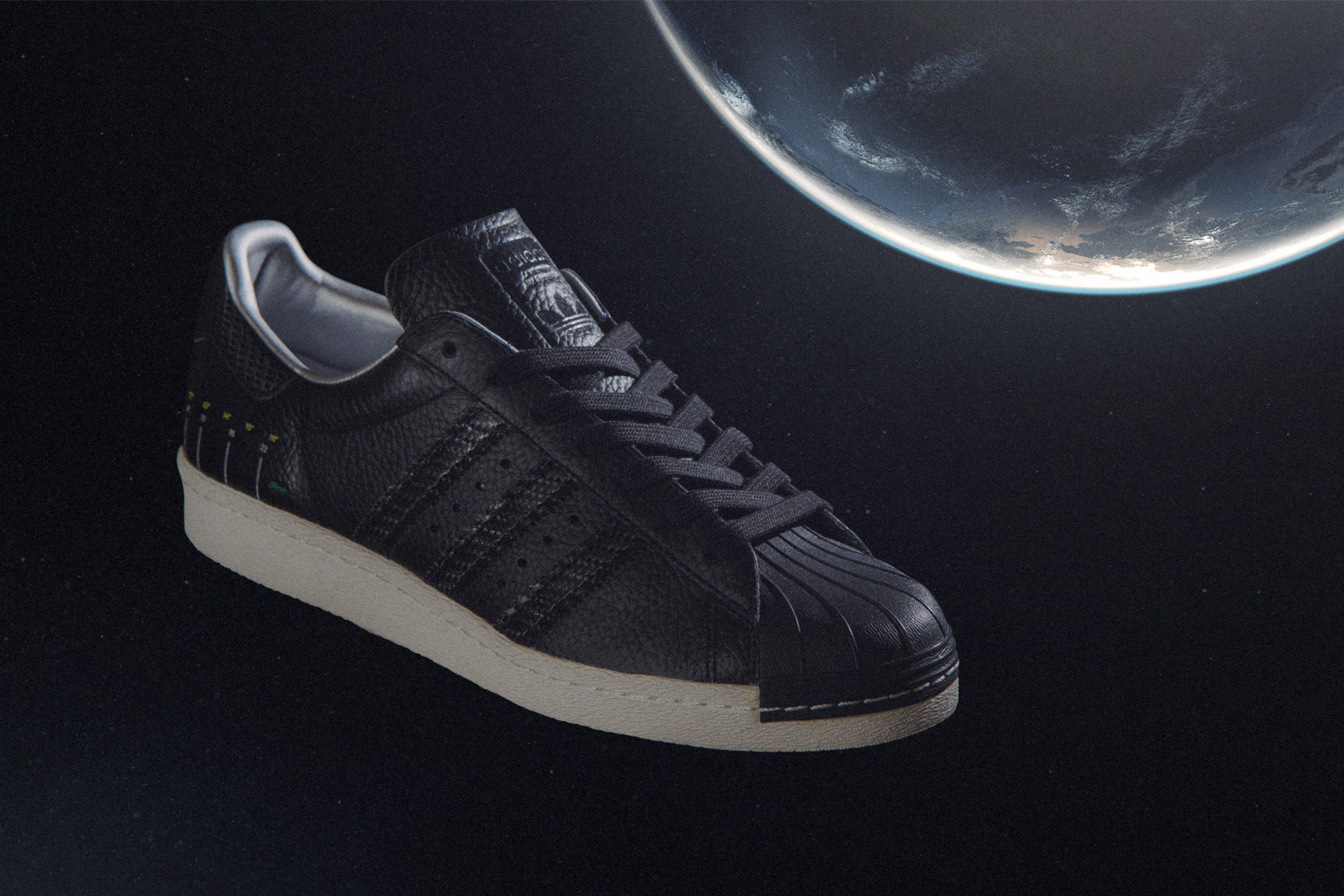 adidas-originals-sneakersnstuff-swedish-satellite-pack-05