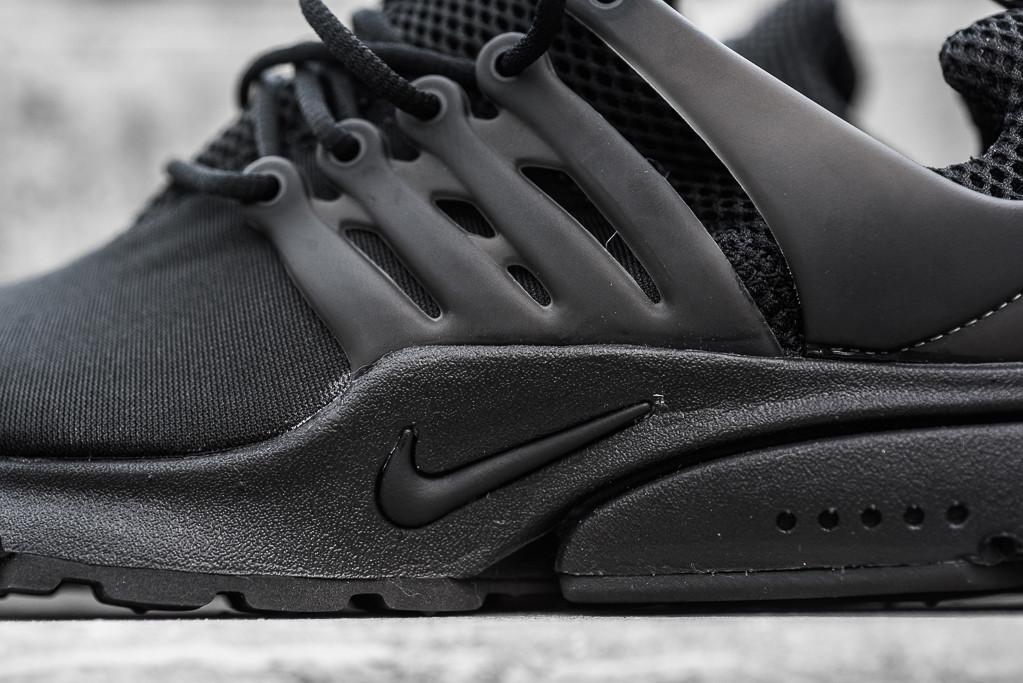 Nike_Air_Presto_Black_Black_Sneaker_Politics_Hypebeast_2