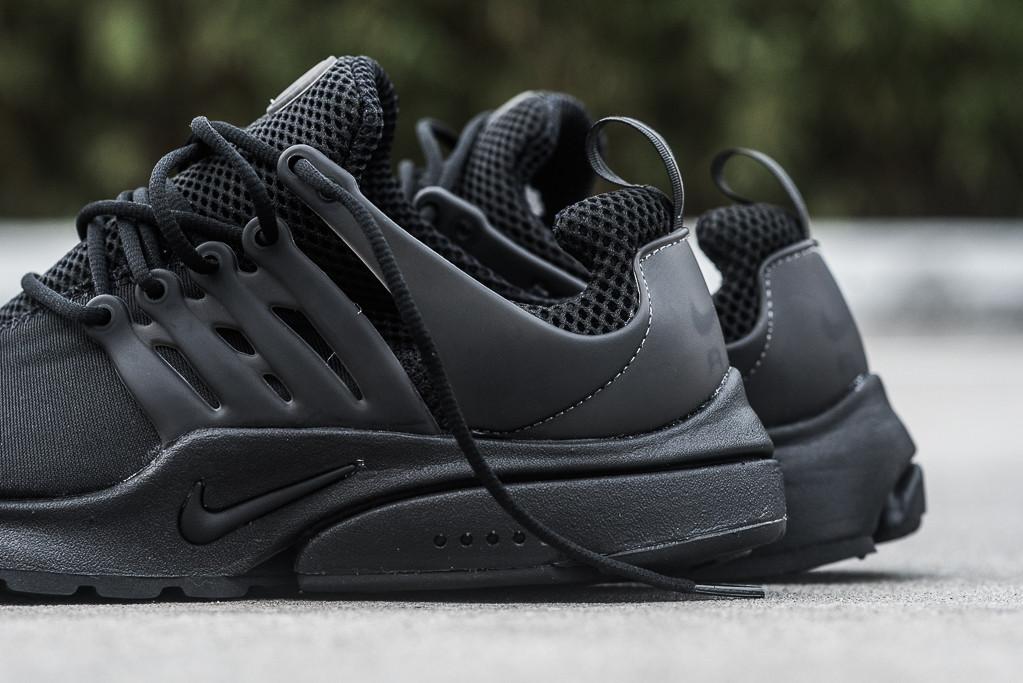 Nike_Air_Presto_Black_Black_Sneaker_Politics_Hypebeast_7