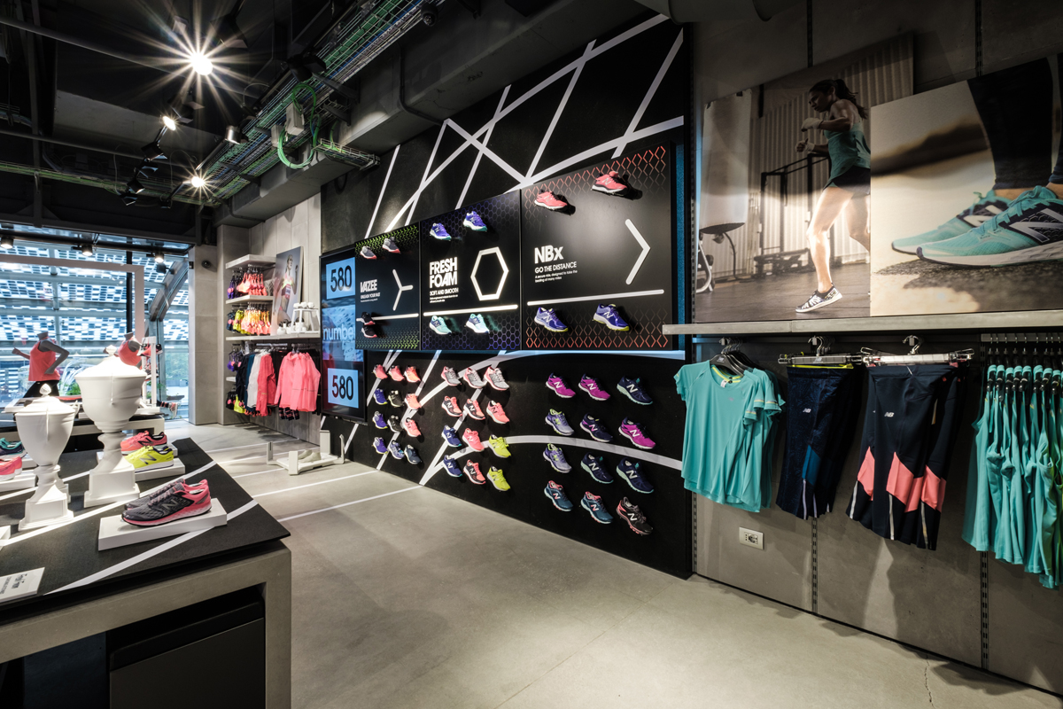 interni nuovo store New Balance - Piazza gae Laurenti