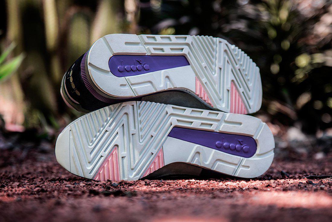 sneaker-freaker-x-diadora-v-7000-03