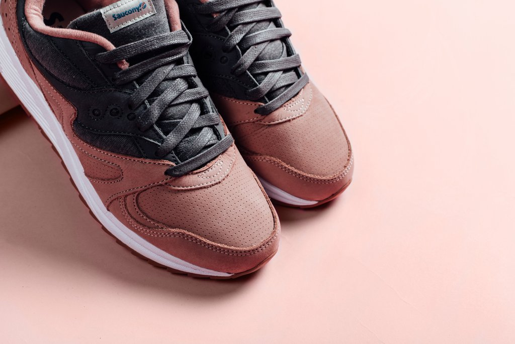 Saucony_Grid_8000_-_Salmon_January_28_2017_Feature_Lv-3_1024x1024