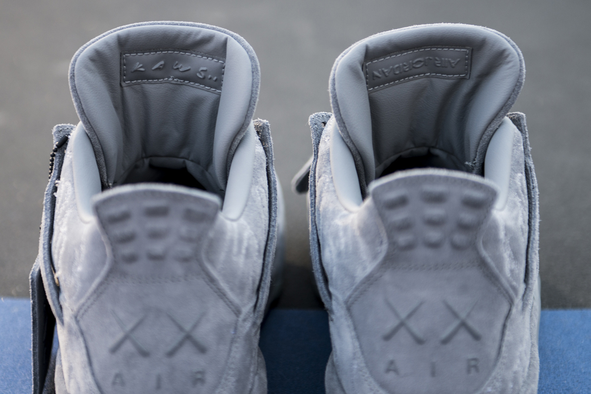 kaws air jordan 4 prev-02