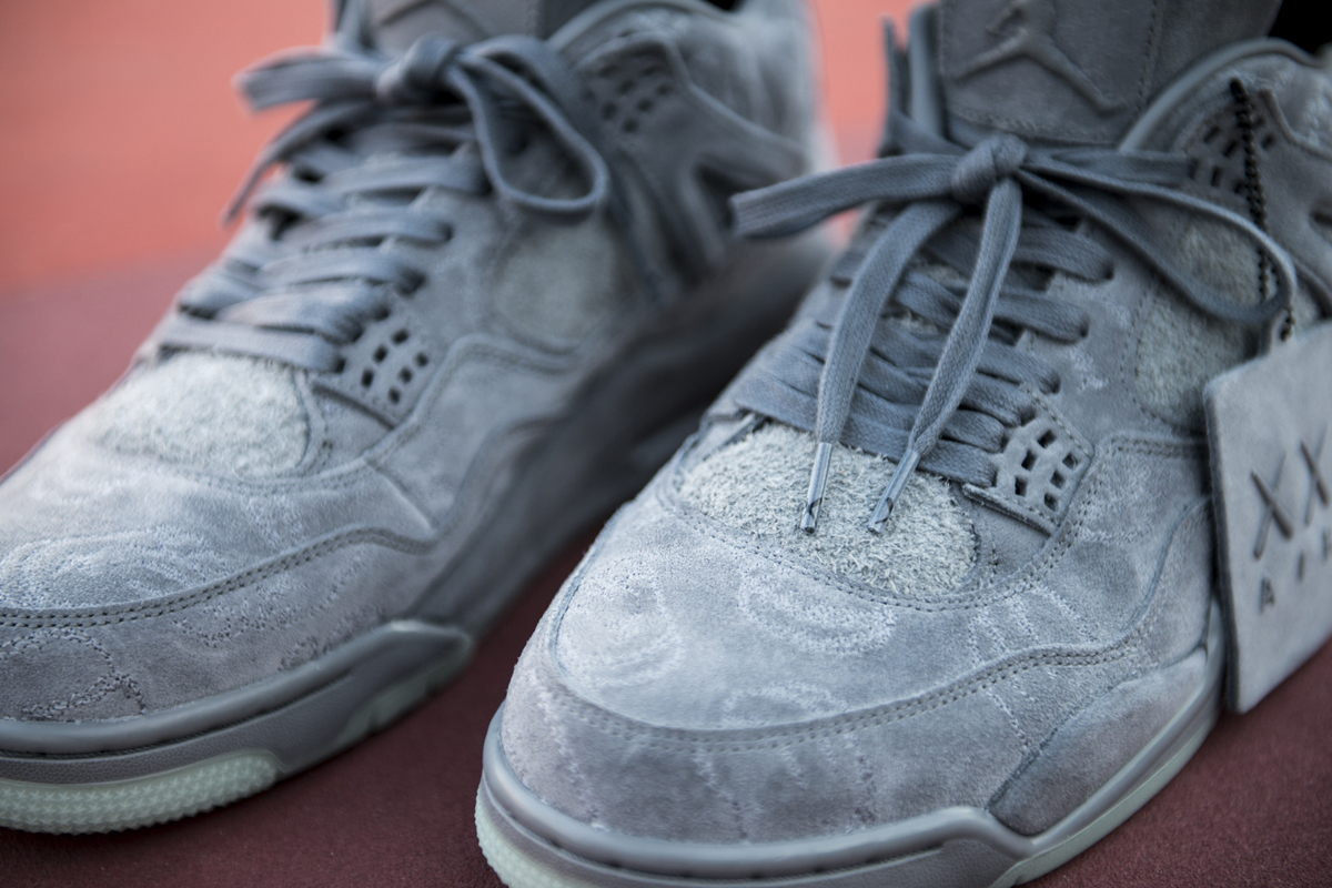 kaws air jordan 4 prev-03