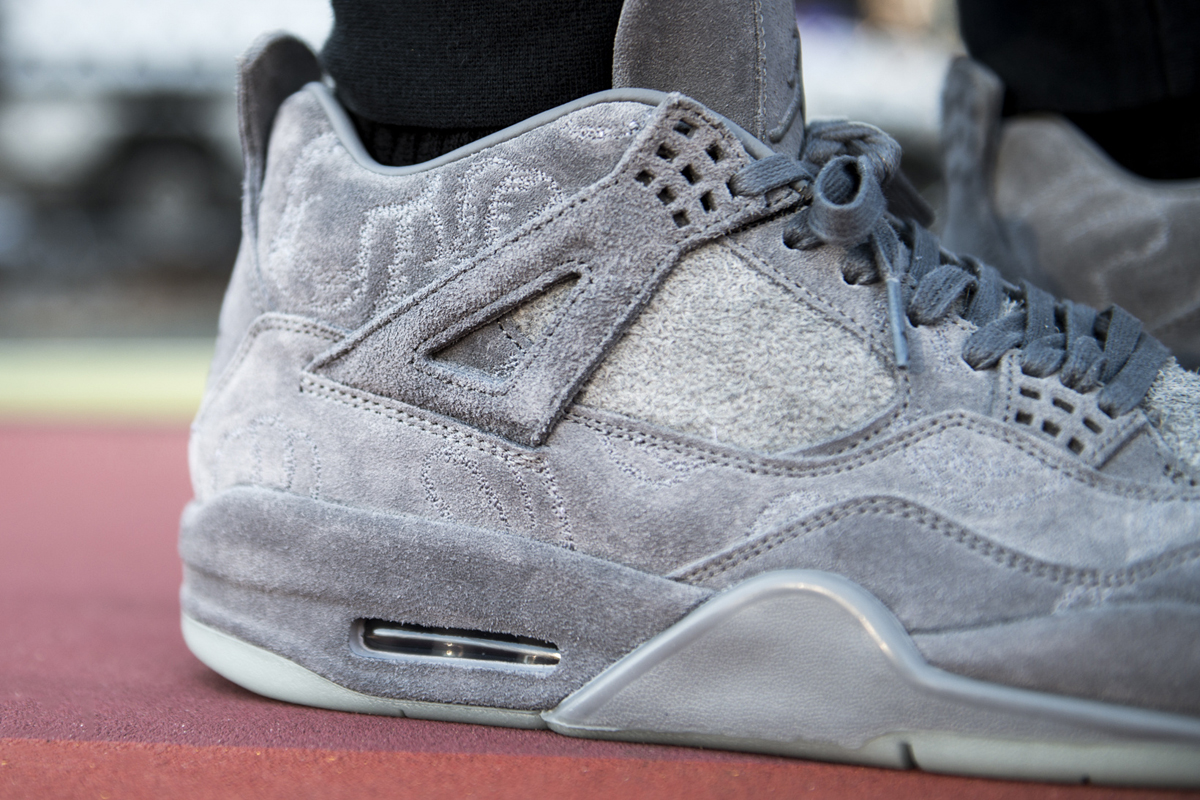 kaws air jordan 4 prev-04