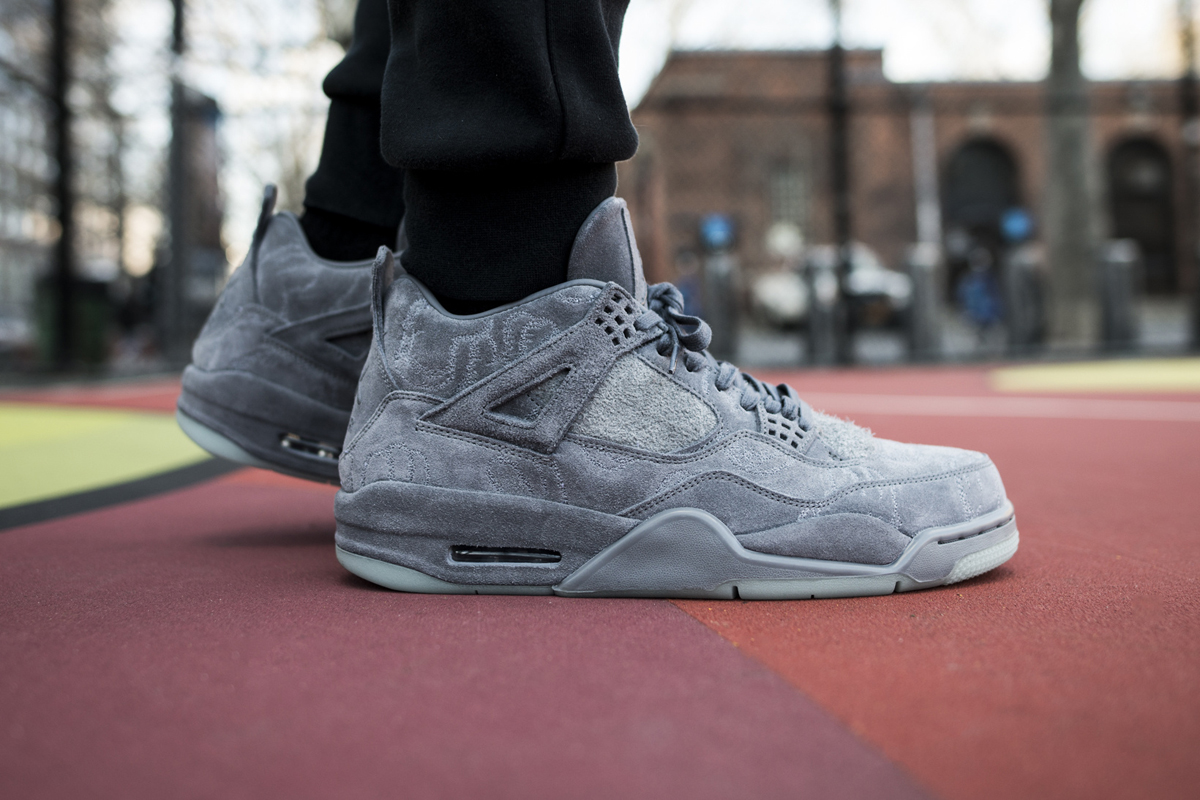 kaws air jordan 4 prev-05