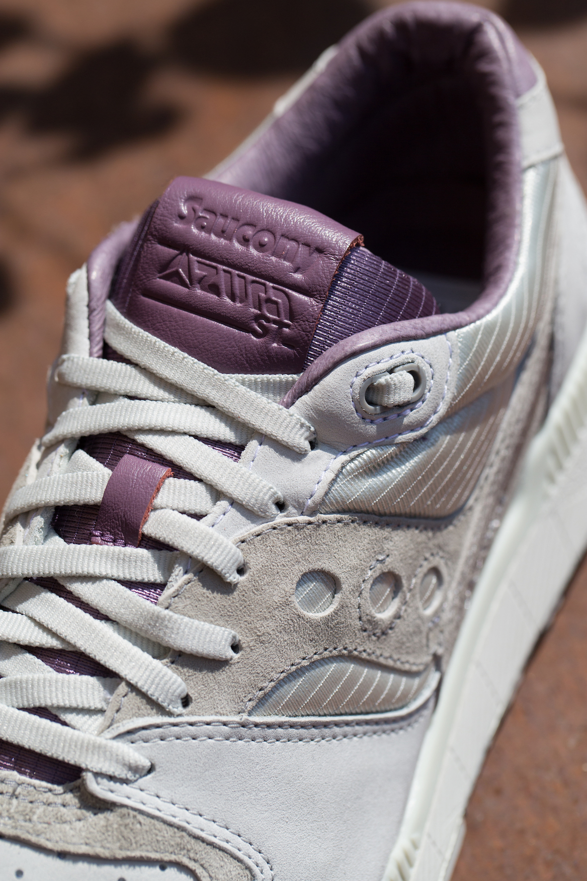 saucony azura weathered