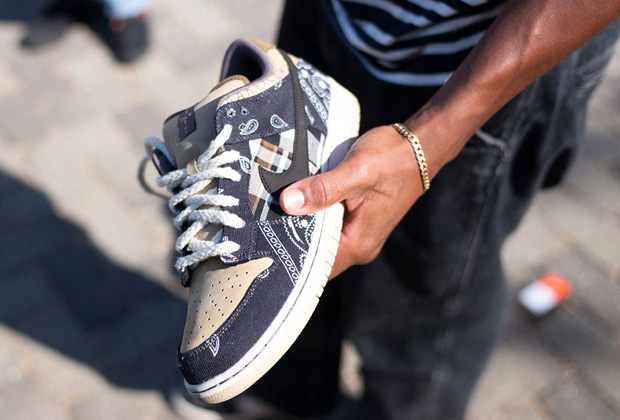Nike-sb-dunk-low-x-travis-scott